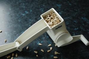 sunflower seeds grater4 sm